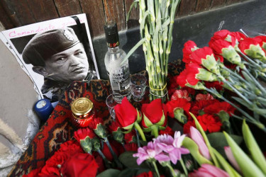 Multitudinarias muestras de dolor por la muerte de Chávez