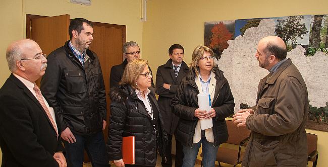 Quintana visita la oficina agraria comarcal de ordes para for Oficina comarcal agraria