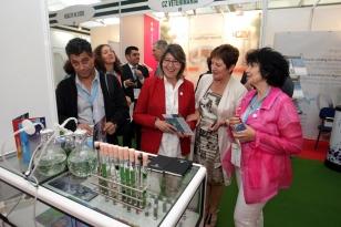A conselleira de Sanidade, Roc�o Mosquera �lvarez, acompa�ada doutros conselleiros do Goberno galego, visita o VII Encontro Internacional de Biotecnolox�a Biospain 2014 - FOTO: Xunta de Galicia