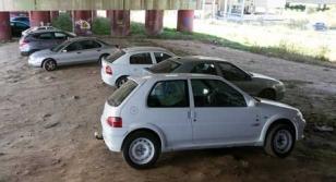 El aparcamiento de Pontepedri�a se ubicar� bajo el viaducto de ferrocarril de la zona de Cornes.  - FOTO: C�sar Mart�nez