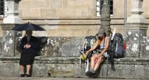 La imagen refleja el contraste del oto�o con el tiempo veraniego. - FOTO:  A. Hern�ndez