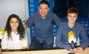 Alberto Sacido, en el centro, con Luc�a y Diego - FOTO: R.O.