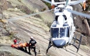 Rescate del cuerpo del joven que falleci� en �zaro cuando practicaba barranquismo - FOTO: J. TRILLO