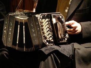 El bandone�n contribuy� al particular sonido del tango - FOTO: D.R.