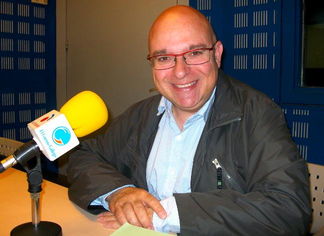 O socialista Paco Reyes, este luns, nos estudios de Radio Obradoiro - FOTO: R.O.