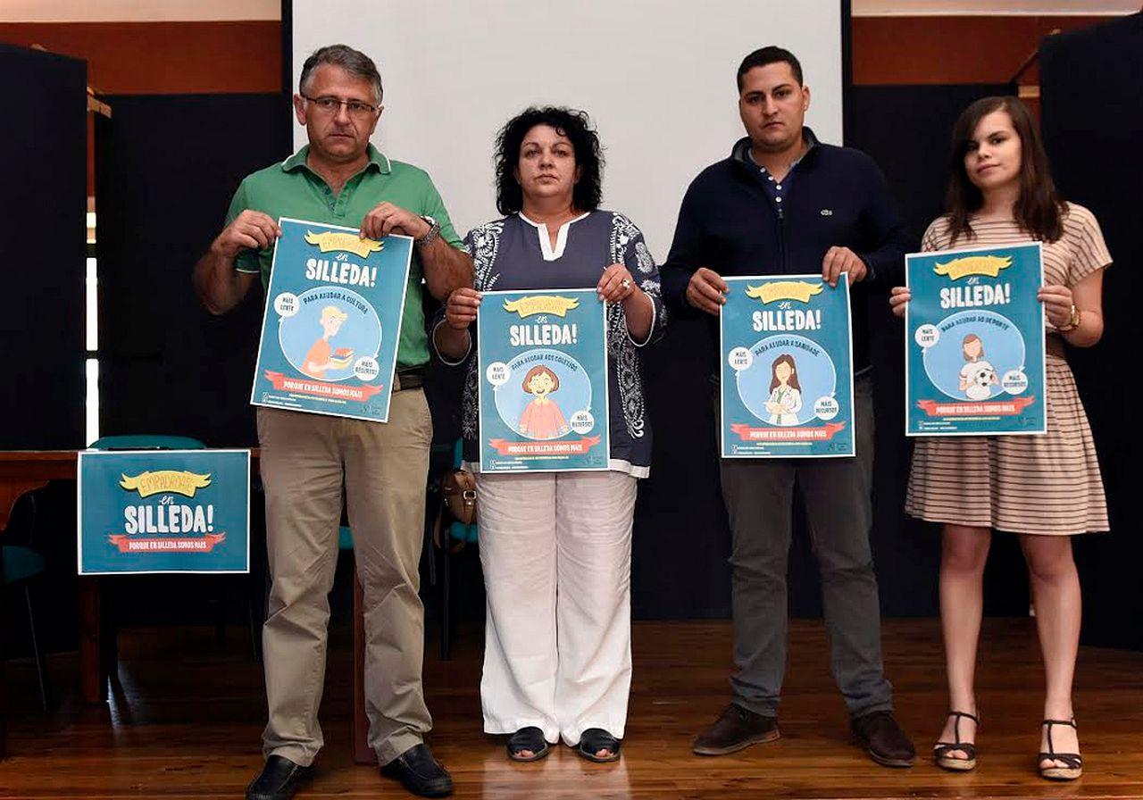Manuel Cui�a, izda., Pili Pe�n, Klaus Brey y Aida Castro, ayer en Silleda.  - FOTO: Sangiao