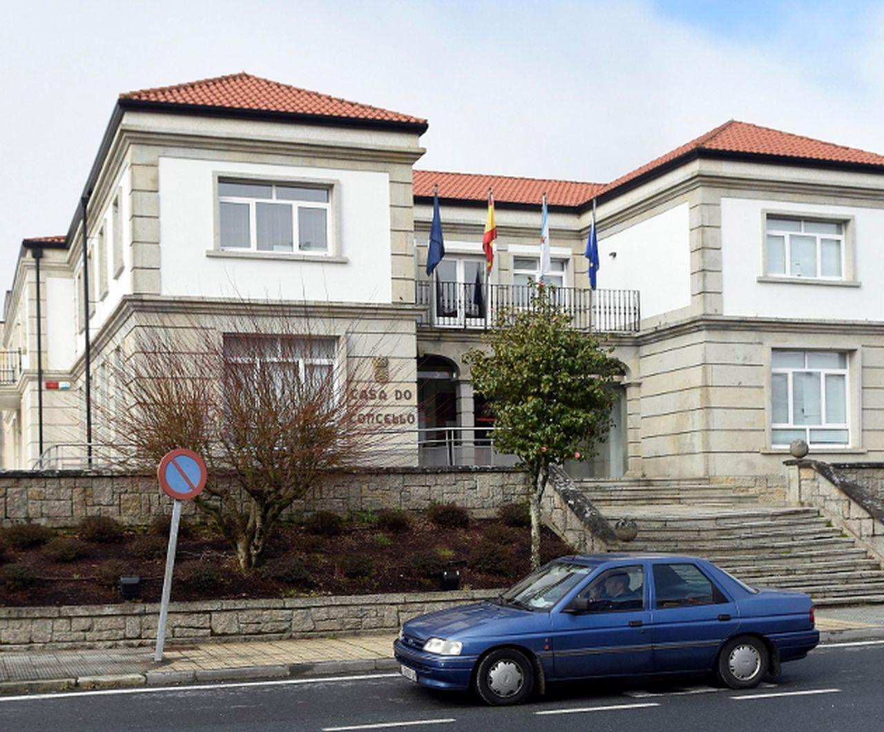 Casa consistorial de Teo, en A Ramallosa.  - FOTO: Sangiao