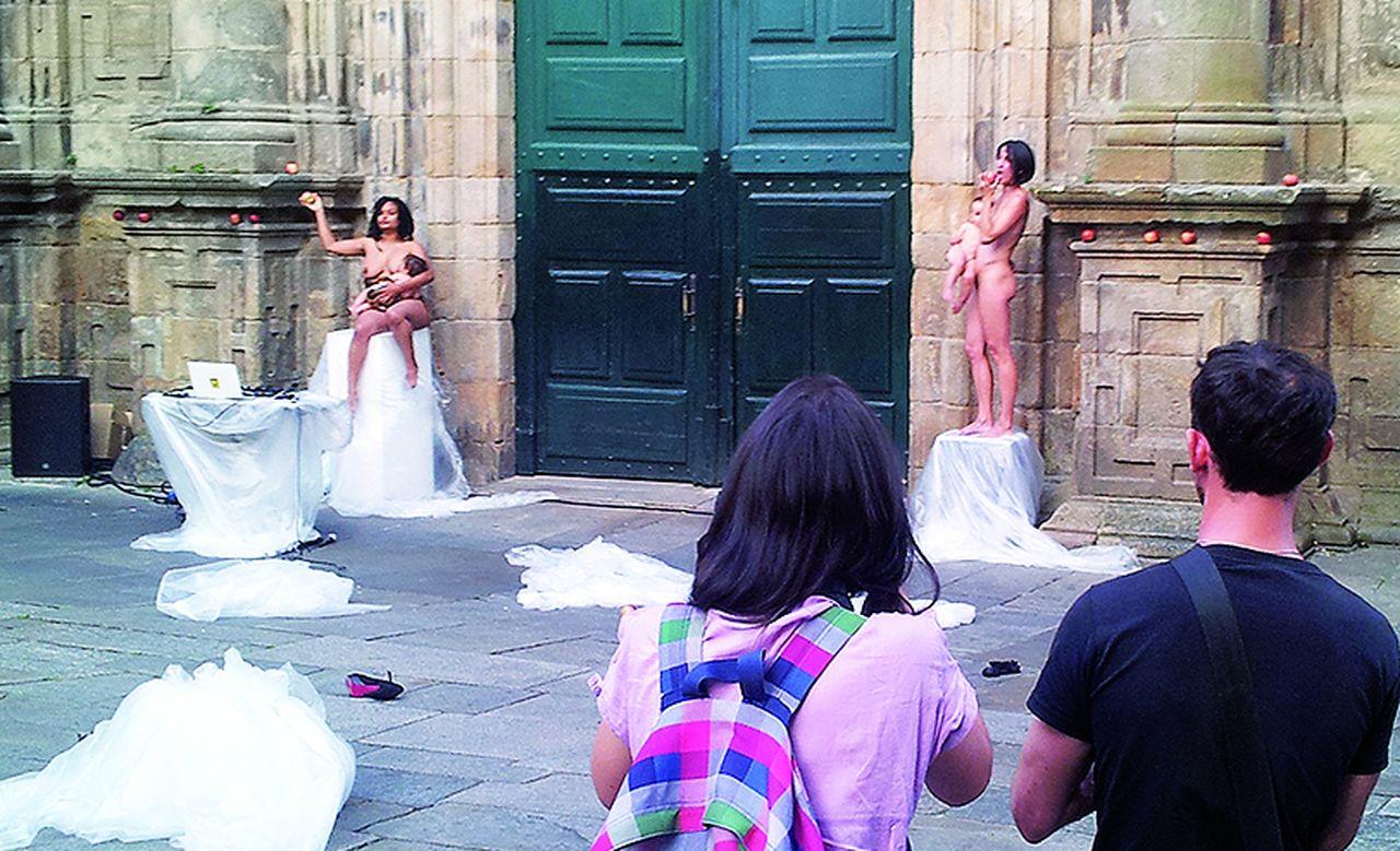El �show� nudista gener� numerosas cr�ticas en la ciudad