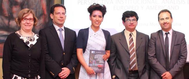 Diana Cristina Morales, en el centro de la imagen, durante la presentaci�n de la tesis - FOTO: USC