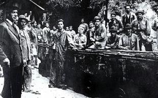 Imaxe tomada en 1940 na mina de Fontao, Silleda - FOTO: ECG