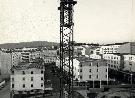 No centro as Casas de Ram�rez, no Ensanche - FOTO: Arquivo El Correo Gallego