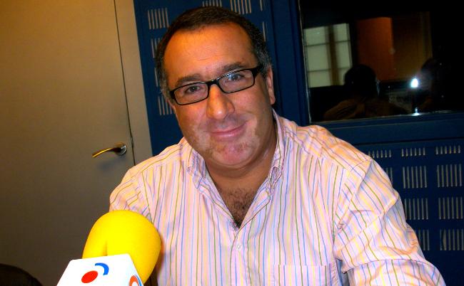 Javier L�pez durante a entrevista deste luns nos estudios de Radio Obradoiro - FOTO: R.O.