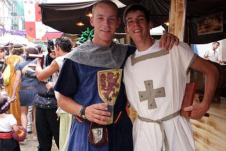 todos ellos tienen en comn que su estilismo en de la poca medieval y nosotros ponemos a tu disposicin una variada seleccin de disfraces medievales